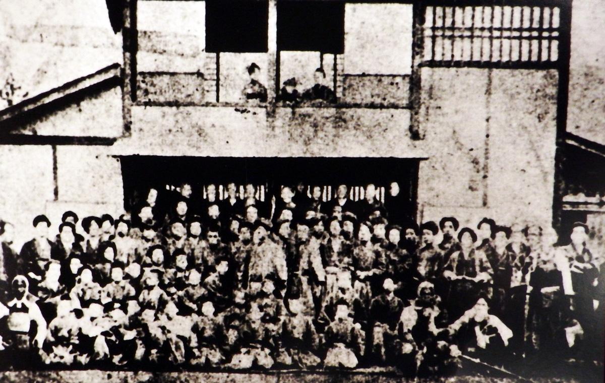 私立日新館と生徒